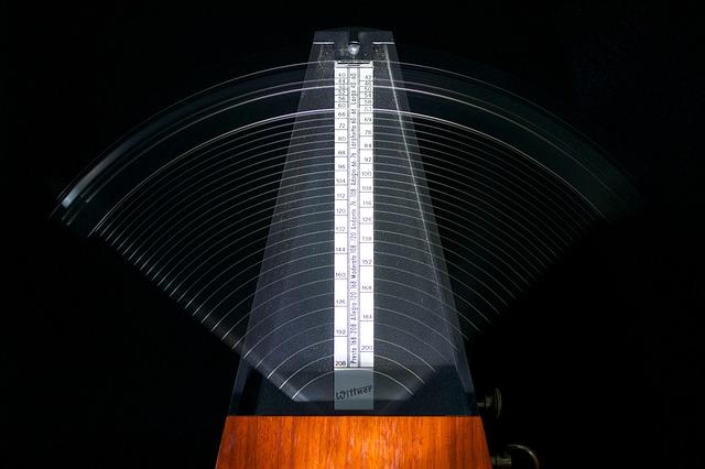 een metronooom helpt je ritmegevoel met paardrijden te verbeteren